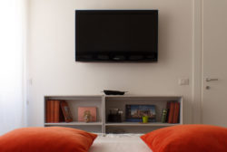 STEREO - Bedroom - TV Set - Camera da letto - Televisione