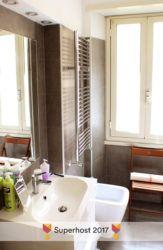 MONO'Glu ApARTment - Bagno - vista lavandino e finestra